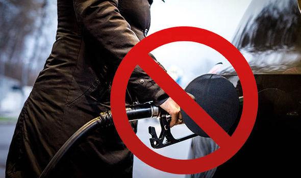 Hamarosan betiltják a benzines és dízel autók forgalmazását