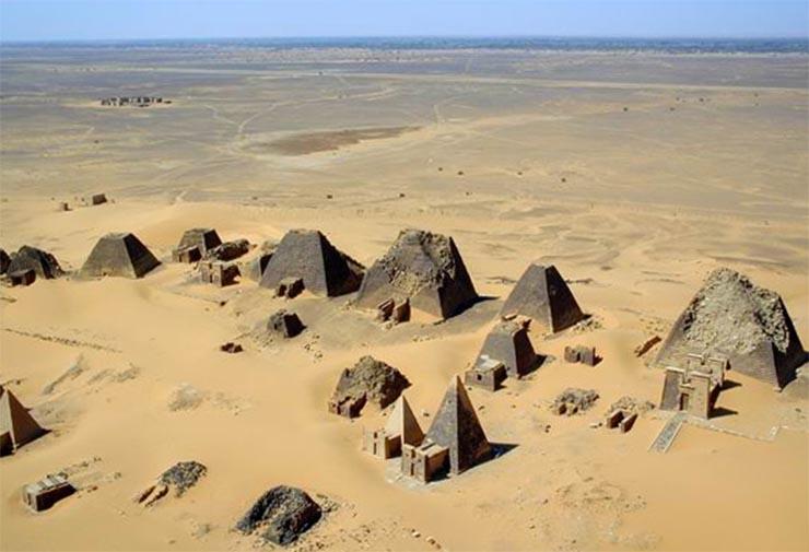 2000-eves-piramisok