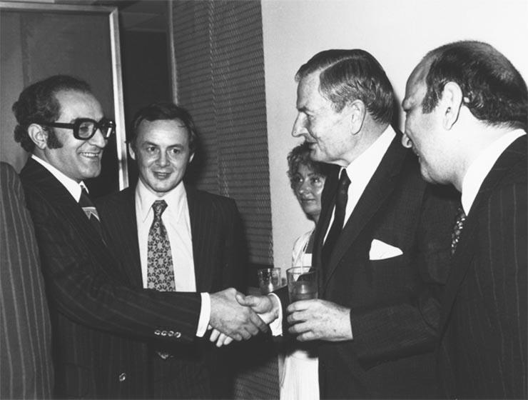 David Rockefeller, a legbefolyásosabb családok egyikének feje (jobbról a második)