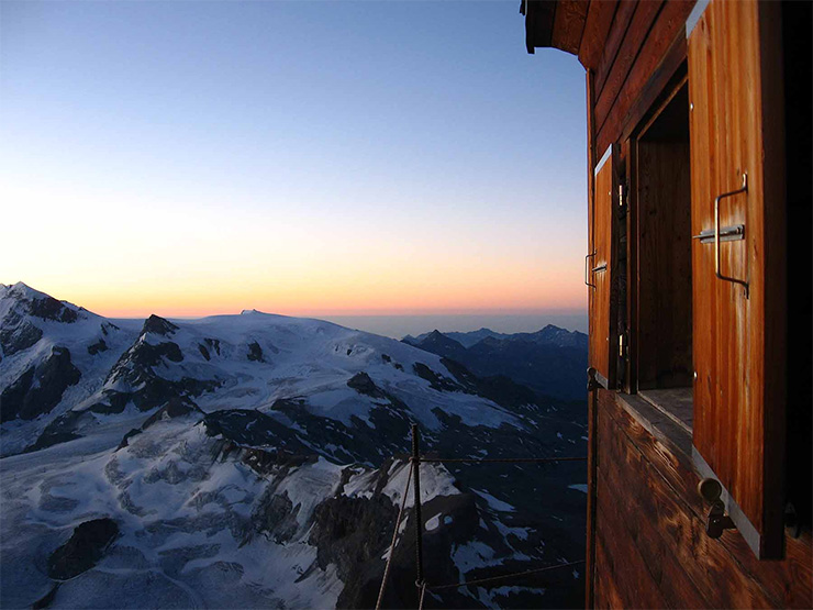 pazar-latvany-4003-meter-magasan