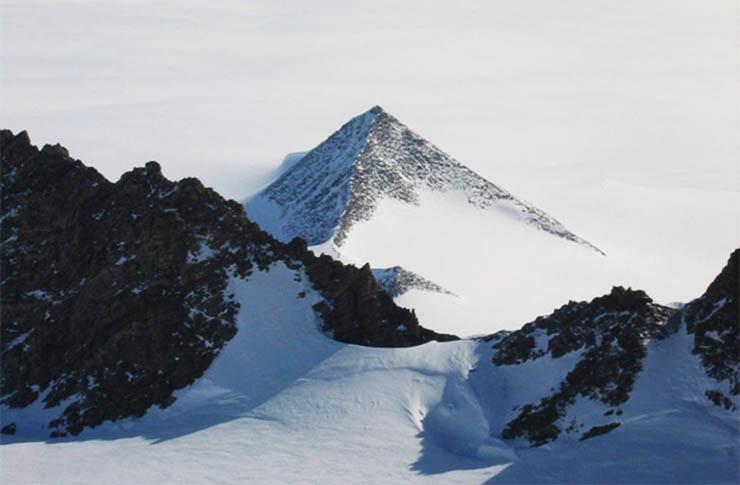 piramis-antarktiszon