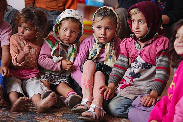 roma-kisgyermekek