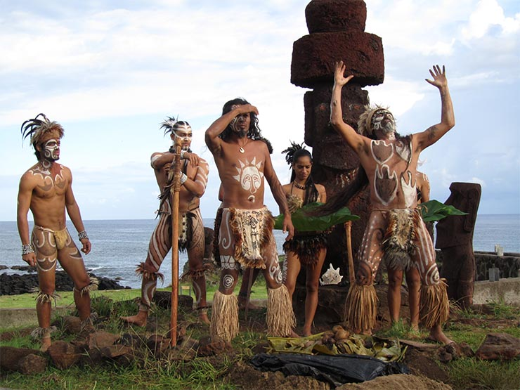 husvet-sziget-lakosai