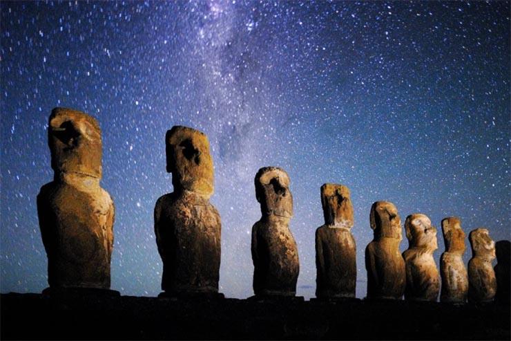 husvet-sziget-szobrok-csillagok