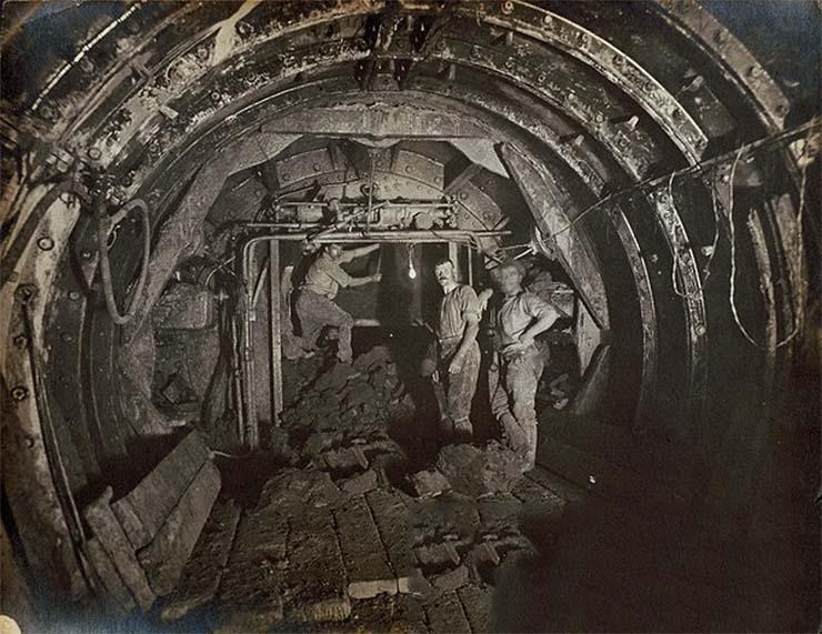 londoni-metro-munkalatok