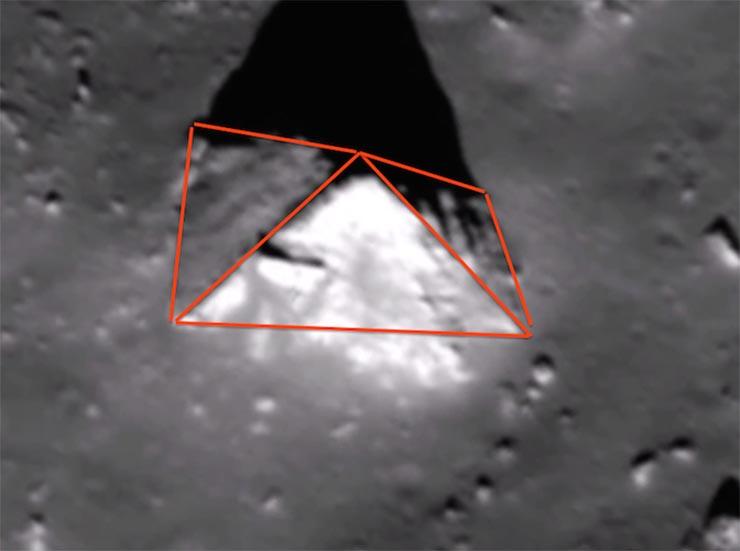 piramis-a-holdon