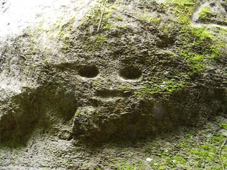 rejtelyes-sziklarajzok-karib-tenger-2