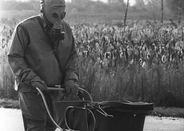 csernobil-elhagyott-ujszulott