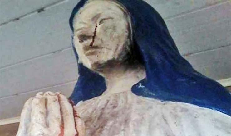 szuz-maria-szobor-ver-es-konnyek